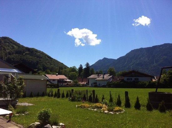 Rosenhof: Вид с лужайки