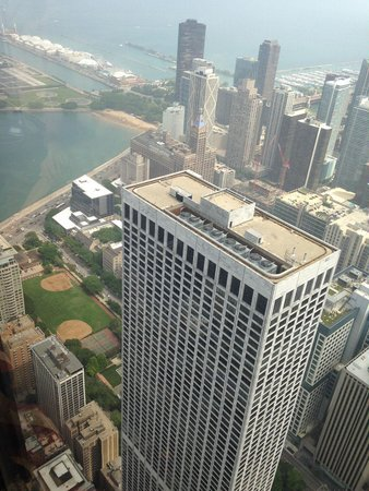 The Ritz-Carlton, Chicago : View of the Ritz from Hancock Tower