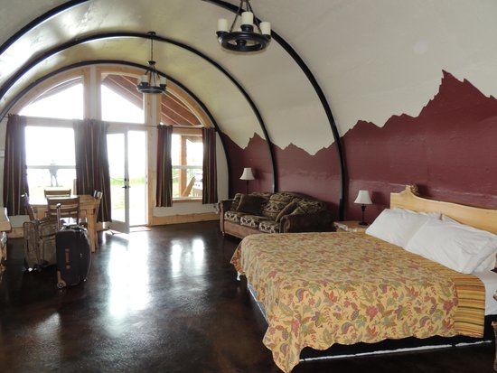 Kenai Peninsula Suites : Wolf's Den