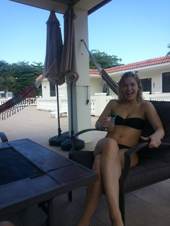 Punta Taino Guest House: relaxing on patio