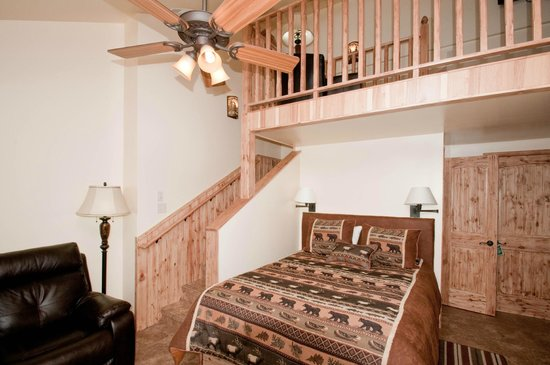 Riverside Cottages: View of upstairs loft in Park Suite
