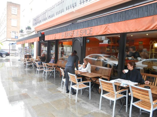 Baker & Spice - Belgravia: Sidewalk eating area