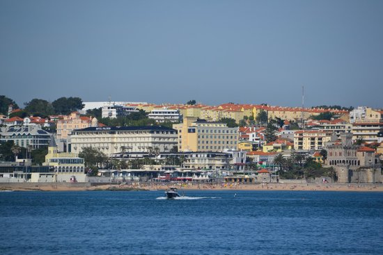 Vila Gale Estoril: Hotel/Estoril vom Hafen in Cascais