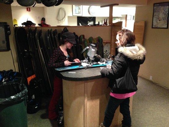 Christy Sports Ski and Snowboard: Friendly Staff