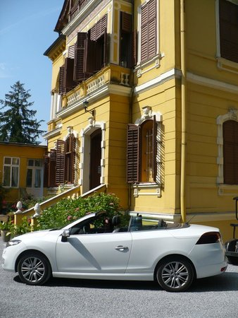 Schlossvilla Miralago: Hoteleingang