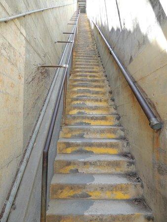 Diamond Head: Use these stairs or path around