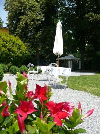 Schlossvilla Miralago: Gartenanlage