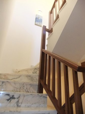 Holiday Villas : stairs to 1st floor