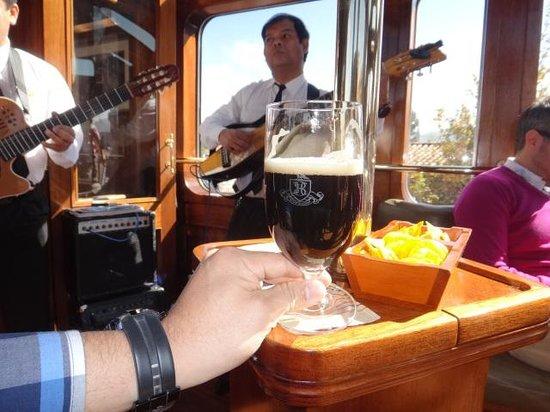 Train Hiram Bingham : Live music!