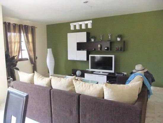 Holiday Villas: sitting room