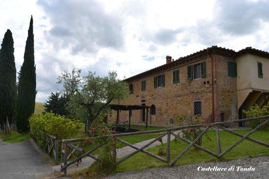 Castellare di Tonda Resort & Spa: Il casolare La Fornace, dove ci hanno sistemato