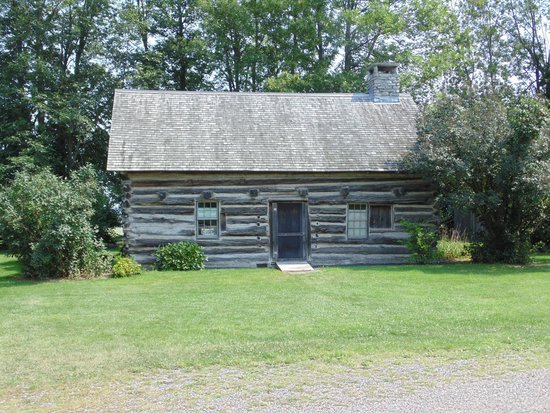 Grand Isle, VT: Hyde Log Cabin
