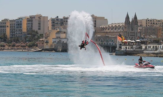 Flyboard Malta: Simon doing a 360 backflip