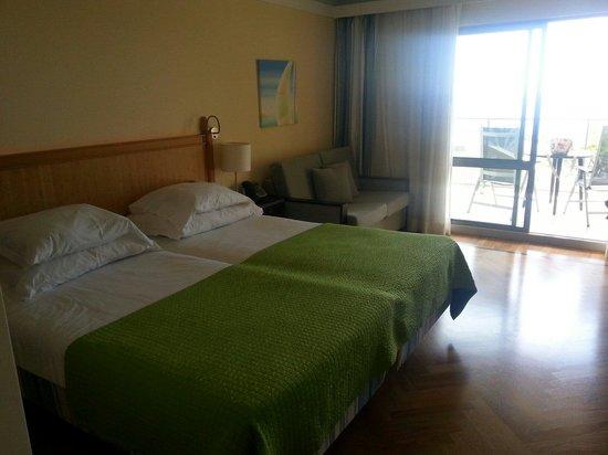 Pestana Promenade Ocean Resort Hotel: Beds in studio apartment