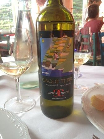 Trattoria Dal Billy: try the local wine!