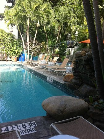 Eden House : Pool area - Always Chairs available during our stay