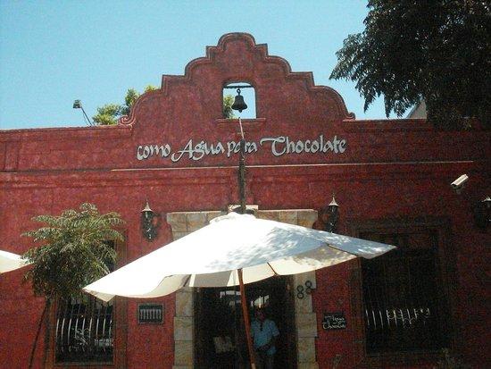 Como Agua Para Chocolate: Fachada