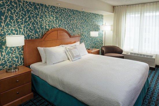 Fairfield Inn & Suites Anchorage Midtown: King Bed
