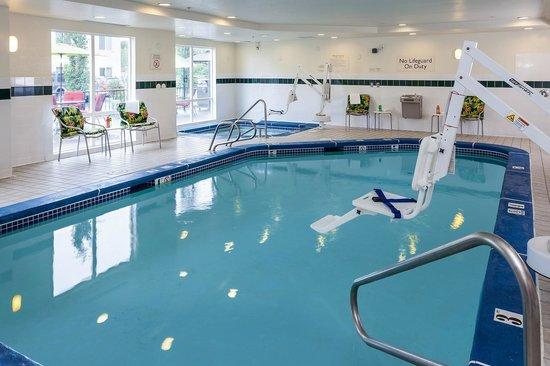 Fairfield Inn & Suites Anchorage Midtown: Indoor Heated Pool and Spa