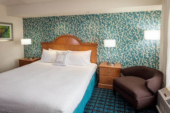Fairfield Inn & Suites Anchorage Midtown: King Spa Suite