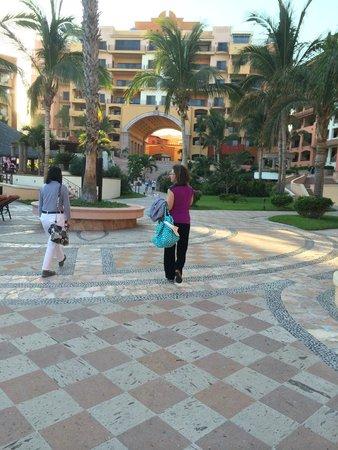 Playa Grande Resort: Central area of complex
