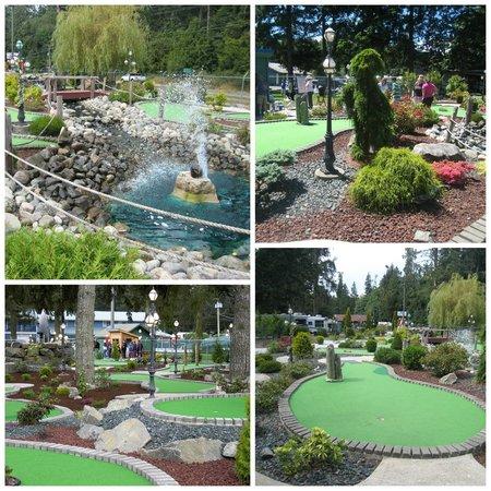 Riverside Resort & Campground : Mini Golf