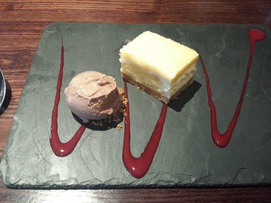 Parkfield Inn: white choc cheesecake