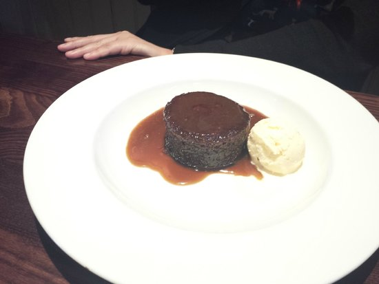Parkfield Inn: sticky toffee pudding