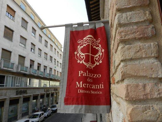 Hotel Palazzo dei Mercanti: Dalla finestra della camera 107