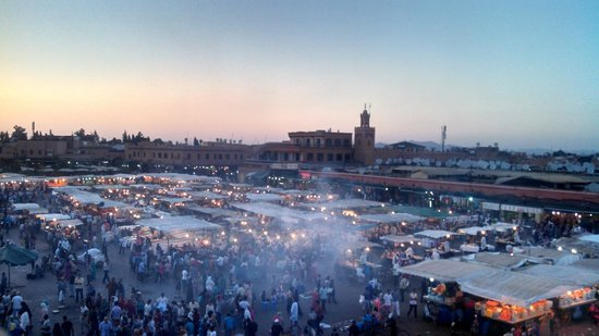 Amour de Riad : Djemaa el-Fna Square in the evening, be prepared for the food feast!!!