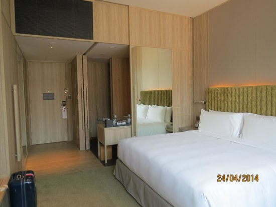 PARKROYAL on Pickering: Room