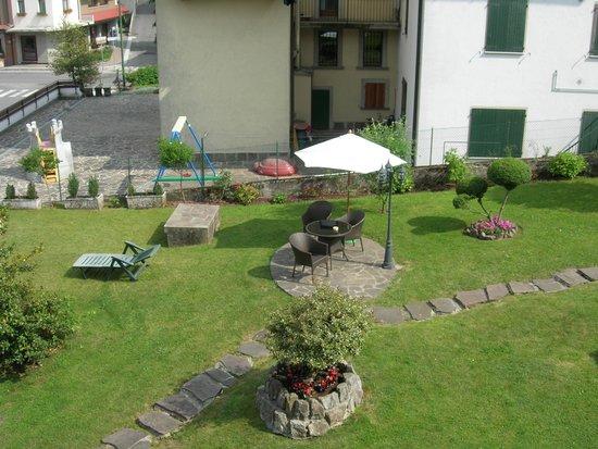 Albergo Relax: Vista giardino dalla ns. camera