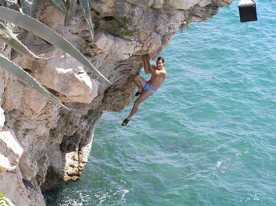 Avantura Adventures: Deep Water Soloing, Sustipan, Melita 6c+