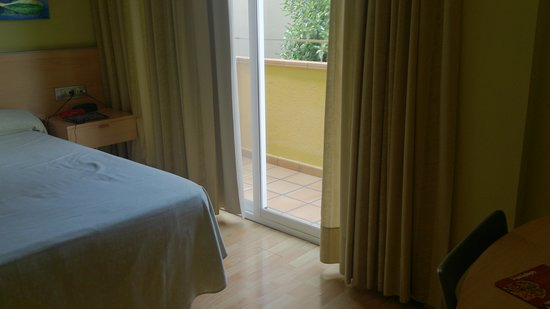 Hotel Sercotel Zurbaran : La habitación