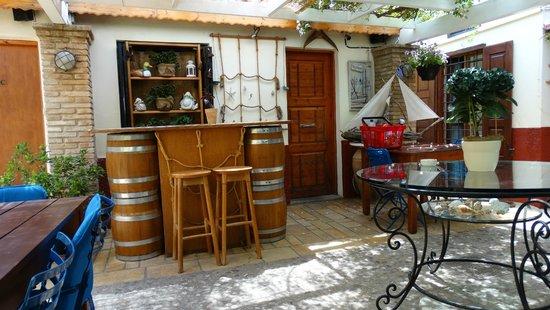 Ganimede Hotel : Bar im Innenhof