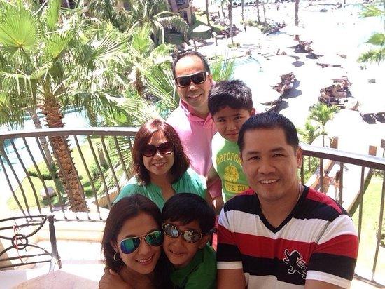 Villa del Arco Beach Resort & Spa: Happy bunch selfie before we head back to LA..