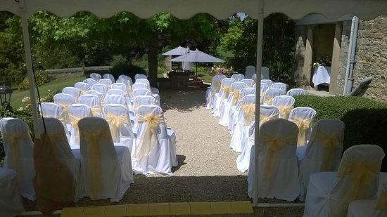 Middle Aston House: Terrace wedding set up
