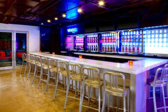 Aloft Miami Brickell: Cozy up to the W xyz bar