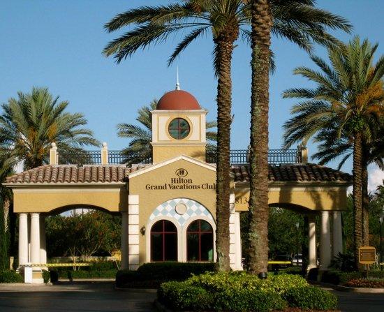 Hilton Grand Vacations at Tuscany Village : Entrance