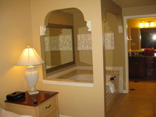 Hilton Grand Vacations at Tuscany Village: One Bedroom Suite