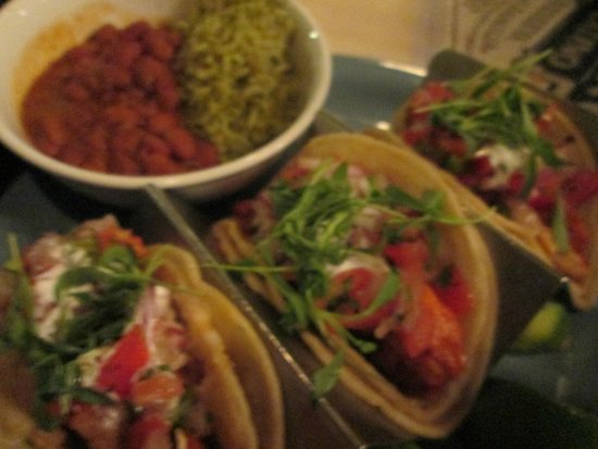 Tequila Bar and Grill: fish tacos