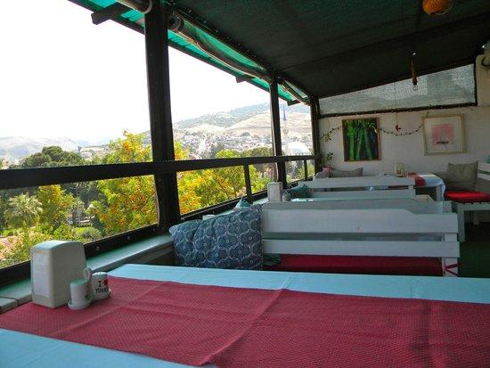 Urkmez Hotel: Rooftop cafe for breakfrast