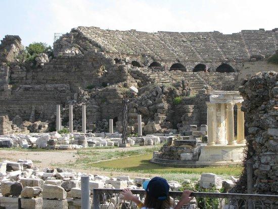 Greek Amphitheater : omgivningen runt teatern