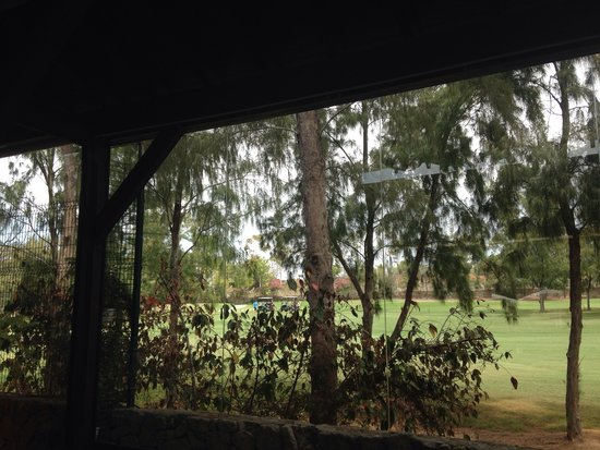 Green Garden Resort & Suites : The view whilst eating- the golf resort