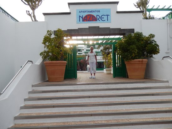 Nazaret Apartamentos: Main Entrance to Nazaret Apartments
