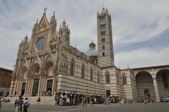 Cripta del Duomo di Siena : Esterno