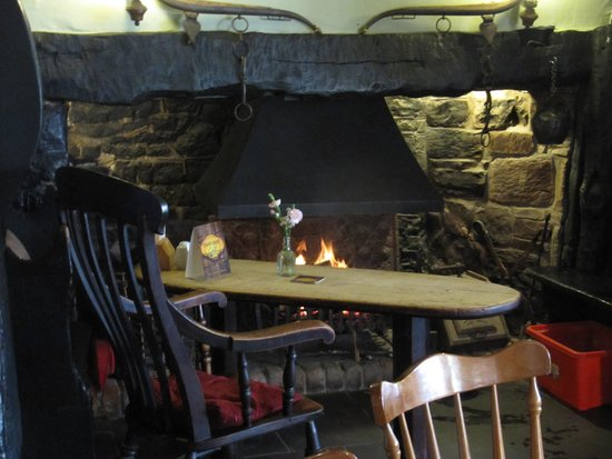 ‪‪The Stag Inn‬: Fireside‬