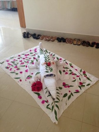 Le Royal Holiday Resort: Towel art master!!! Mohammed - Block 11