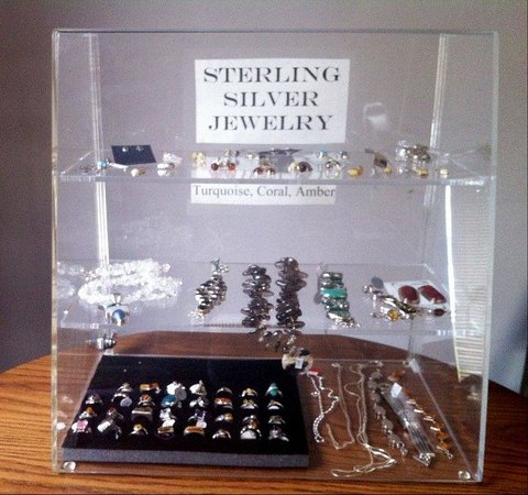Snowshoe Motel : Jewelry Sold at the Front Desk
