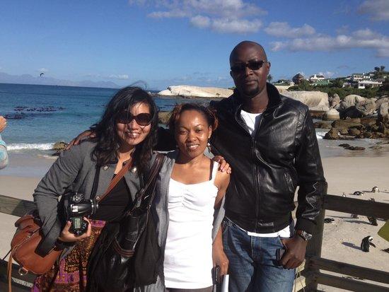 Escape to the Cape Sightseeing Tours: Kenyan media enjoying the Peninsula